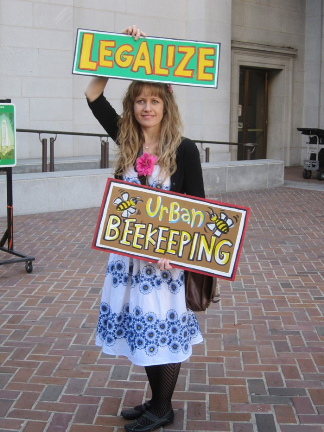 Los Angeles bee legalization