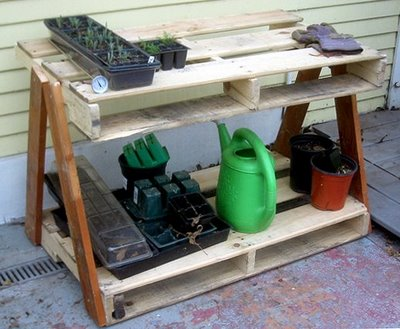 make a garden work table from a pallet root simple - Garden Work Bench