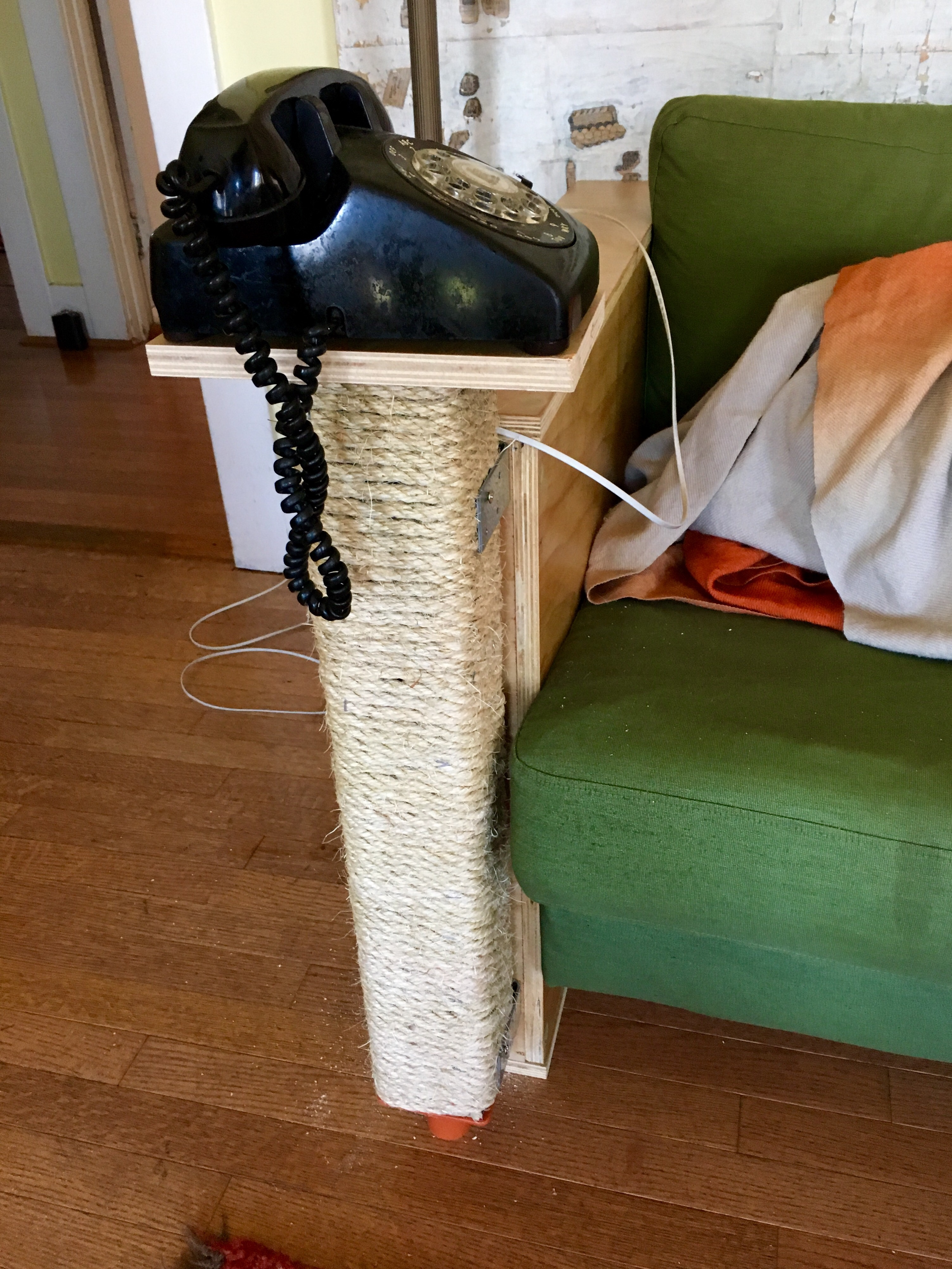 Cat Scratch Fever How to Make Your Own Cat Scratching Posts